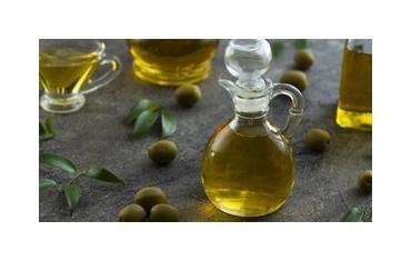 الفوائد الجمالية لزيت الزيتون على البشرة ، الشعر و الأظافر